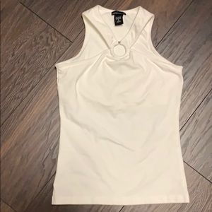 Sleeveless top, perfect for GNO